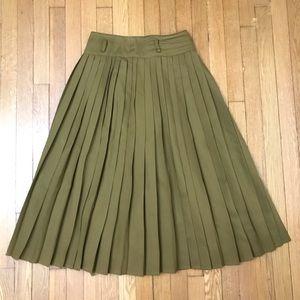 Vintage Mondi  Olive pleated skirt size 38